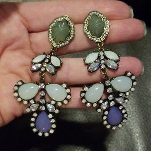 Jewelry - Earrings. EUC!